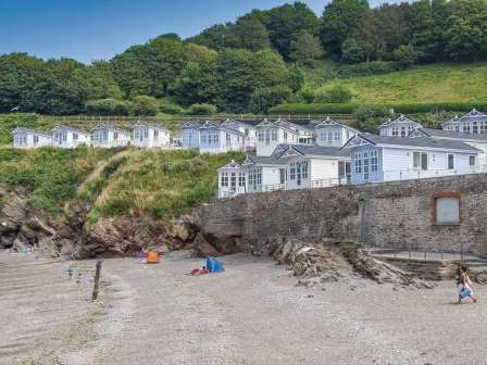 Lodges overlooking the beach at Beach Cove Coastal Retreat